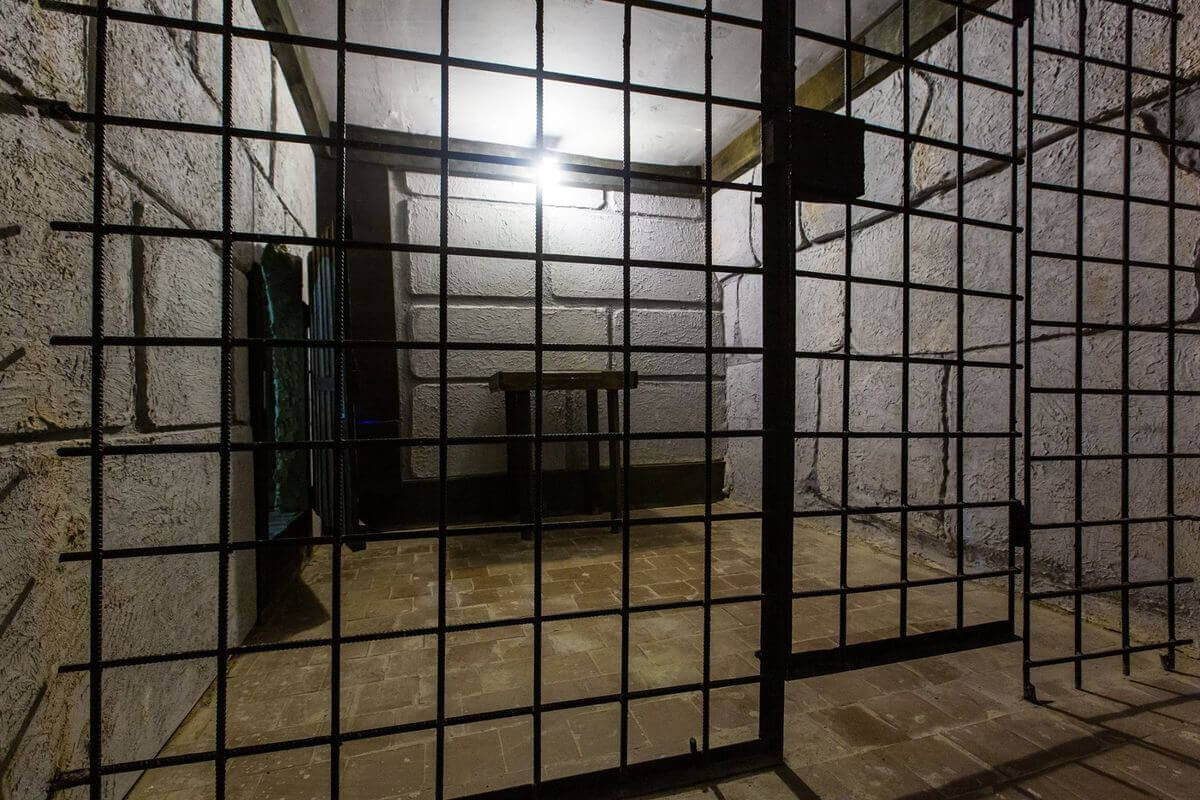 3 Фото квест комнаты Пираты карибского моря: Сундук мертвеца в городе Львов