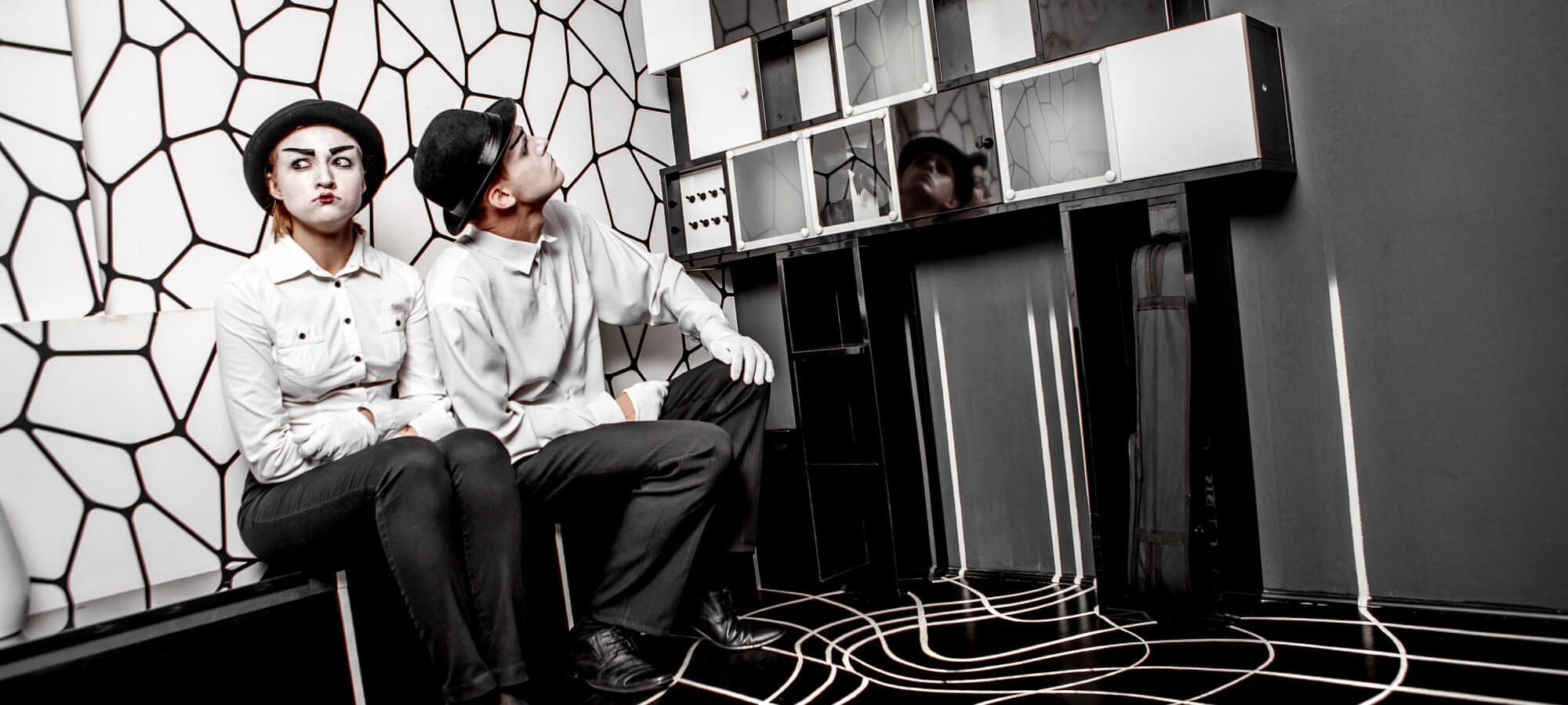 2 Фото квест комнаты Черно-белая история (магия) в городе Киев